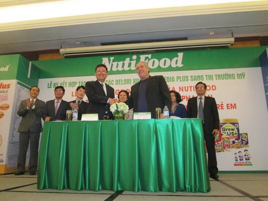 Lần đầu tiên sữa bột pha sẵn Việt Nam xuất khẩu sang Mỹ - Ảnh 1.
