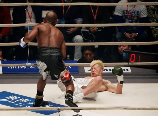 80 giây giành 9 triệu USD, Mayweather xứng danh vua quyền Anh - Ảnh 4.