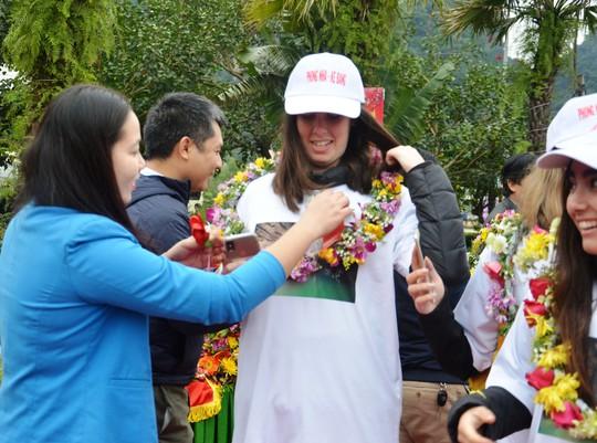 Du khách đặc biệt xông đất Vương quốc hang động Quảng Bình - Ảnh 1.