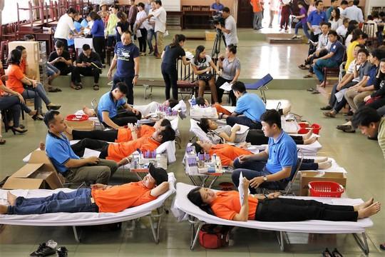 EVNSPC hiến 1.760 đơn vị máu trong Tuần lễ hồng EVN lần thứ IV - Ảnh 1.
