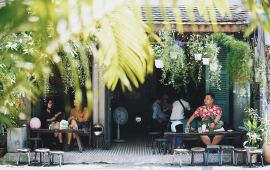 Năm mới, thả hồn phiêu bồng tại quán cà phê hoài niệm ở TP HCM - Ảnh 1.