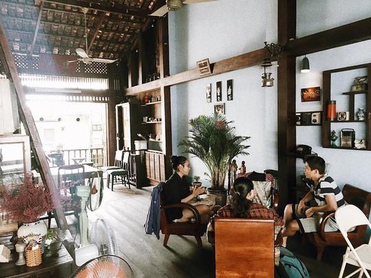 Năm mới, thả hồn phiêu bồng tại quán cà phê hoài niệm ở TP HCM - Ảnh 14.