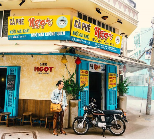 Năm mới, thả hồn phiêu bồng tại quán cà phê hoài niệm ở TP HCM - Ảnh 7.