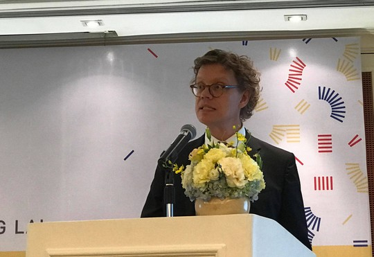 Đại sứ Thụy Điển đọc ca dao bằng tiếng Việt về quan hệ hai nước - Ảnh 1.