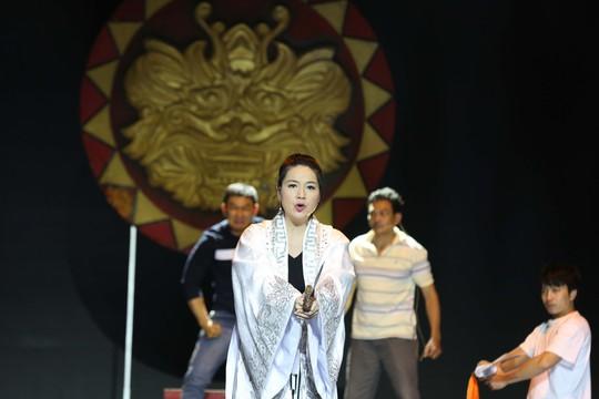 Trước giờ G Lễ trao giải Mai Vàng: Tâm sự của NSƯT Thành Lộc, Lê Khánh - Ảnh 3.