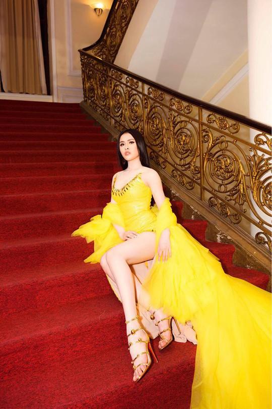 Người mẫu dính nghi án bán dâm Thư Dung xin lỗi BTC Mai Vàng - Ảnh 2.