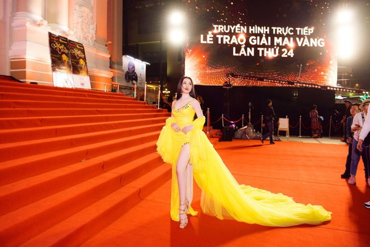 Người mẫu dính nghi án bán dâm Thư Dung xin lỗi BTC Mai Vàng - Ảnh 1.