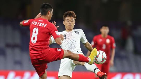Asian Cup 2019: Vắng Son Heung-min, Hàn Quốc vẫn giành vé vào 1/8 - Ảnh 4.