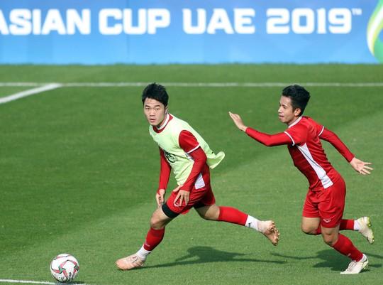 Xuân Trường, Hồng Duy sẽ dự bị ở trận đấu với Iran - Ảnh 1.