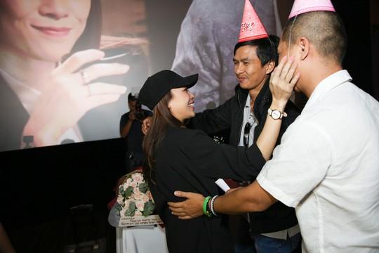 Mỹ Tâm khóc vì được fan bí mật tổ chức sinh nhật - Ảnh 6.