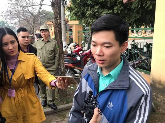 Bác sĩ Hoàng Công Lương nói sức khỏe bình thường, luật sư đề nghị đưa tới BV tâm thần giám định - Ảnh 2.