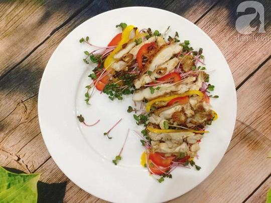 Thực đơn ăn kiêng với 2 món salad ngon miễn bàn - Ảnh 1.