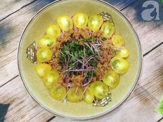 Thực đơn ăn kiêng với 2 món salad ngon miễn bàn - Ảnh 2.