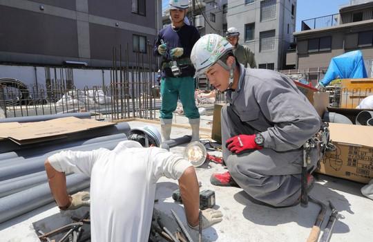 Nhật bắt người Việt nghi chuyển lậu 21 triệu USD về nước - Ảnh 1.