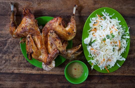 Hồ nước nổi tiếng với món gà đốt ở An Giang - Ảnh 7.