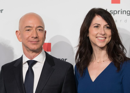 """Vụ ly hôn của tỷ phú Jeff Bezos: """"Kịch bản"""" chia 137 tỷ USD - Ảnh 2."""