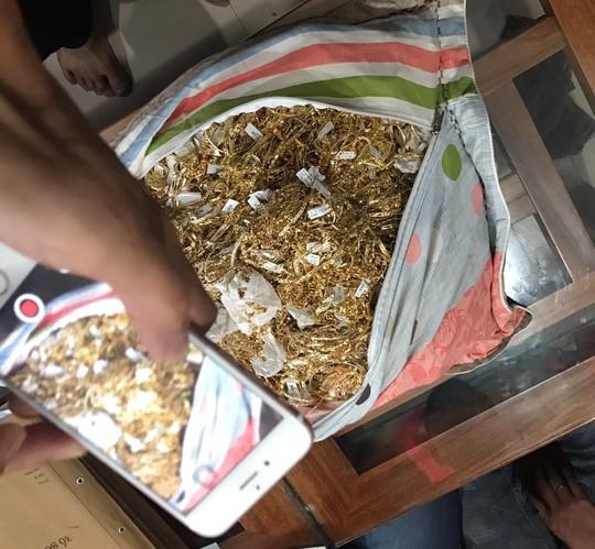 Vụ tìm chủ nhân 230 lượng vàng: 2 người bán vàng khai đầy mâu thuẫn - Ảnh 3.