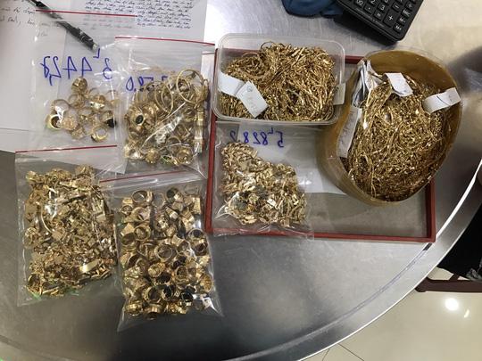 Thông tin sốc vụ 230 lượng vàng: Thu thêm 200 lượng tại nhà đối tượng trộm - Ảnh 3.