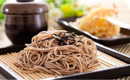Đêm giao thừa người Nhật ăn mì soba - Ảnh 1.