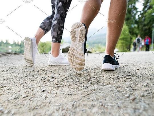 Đừng để chạy bộ lại gây tổn hại cho sức khỏe - Ảnh 12.