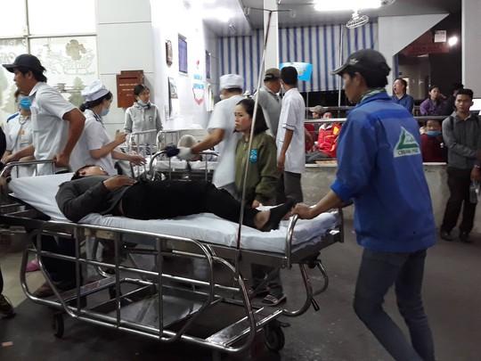 7 nạn nhân vụ tai nạn ở Long An đang được cấp cứu tại Bệnh viện Chợ Rẫy - Ảnh 3.