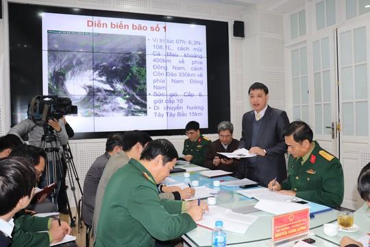 Bão số 1 giật cấp 10 sẽ tiếp tục mạnh thêm, 5 tỉnh phía Nam cấm biển - Ảnh 1.