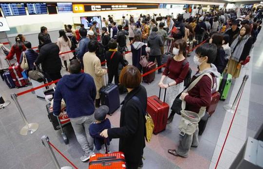 Du khách ra khỏi Nhật sẽ đóng gần 10 USD thuế chia tay - Ảnh 1.