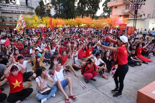 Trực tiếp Việt Nam - Jordan 0-1: Chờ đợi hiệp 2 khởi sắc - Ảnh 2.