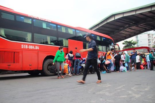 Hãng xe Phương Trang bất ngờ thu hồi 400 vé xe Tết đã bán ra - Ảnh 1.