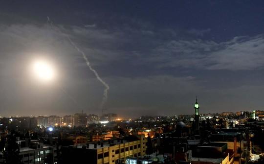 Đằng sau chuyện Israel công khai không kích Syria - Ảnh 1.
