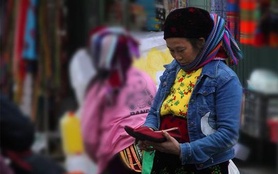 Độc đáo chợ phiên Đồng Văn ngày cuối tuần - Ảnh 13.