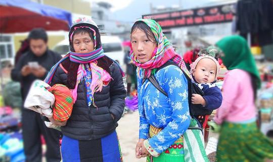 Độc đáo chợ phiên Đồng Văn ngày cuối tuần - Ảnh 14.