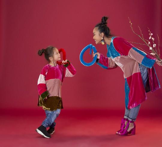 Gia đình Đoan Trang xúng xính áo dài Tết - Ảnh 7.