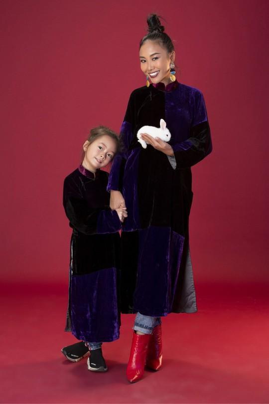 Gia đình Đoan Trang xúng xính áo dài Tết - Ảnh 8.
