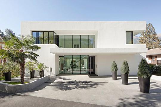 Ngôi nhà trắng tinh khôi đẹp ngất ngây ai nhìn cũng mê - Ảnh 2.