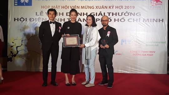 Song Lang lập hat-trick tại giải thưởng Hội Điện ảnh TP HCM - Ảnh 2.