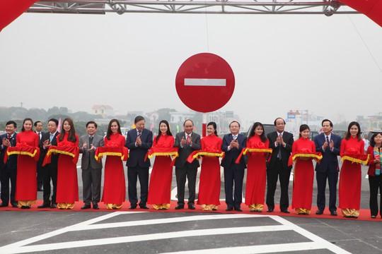 Thủ tướng phát lệnh thông xe cầu Hưng Hà gần 3.000 tỉ đồng - Ảnh 2.