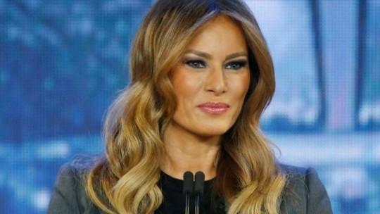 Báo Anh xin lỗi và bồi thường thiệt hại cho bà Melania Trump - Ảnh 1.