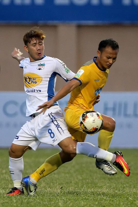 Diễn đàn làm gì để bóng đá Việt Nam đạt đẳng cấp châu Á: Muốn mạnh, V-League phải sạch - Ảnh 1.