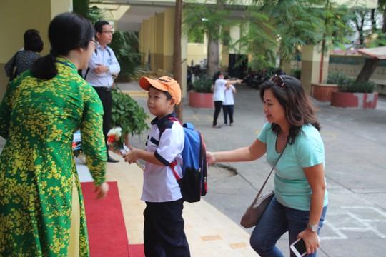 TP HCM: Thưởng tết giáo viên từ 1 đến 40 triệu đồng - Ảnh 1.