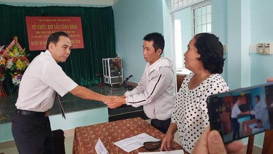 Bảo vệ cha, 1 thanh niên bị TAND Phú Yên kết án oan 1 năm 6 tháng tù - Ảnh 1.
