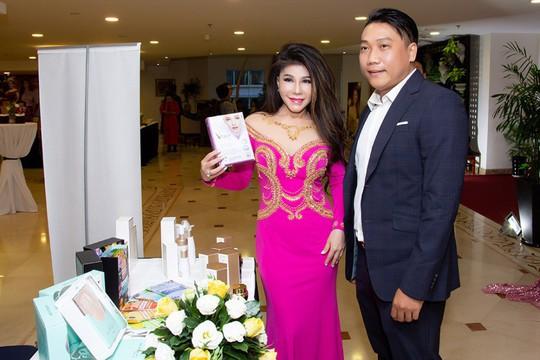 Ca sĩ Sơn Tuyền giữ mãi nét thanh xuân với mỹ phẩm Skin Nutrient  - Ảnh 1.