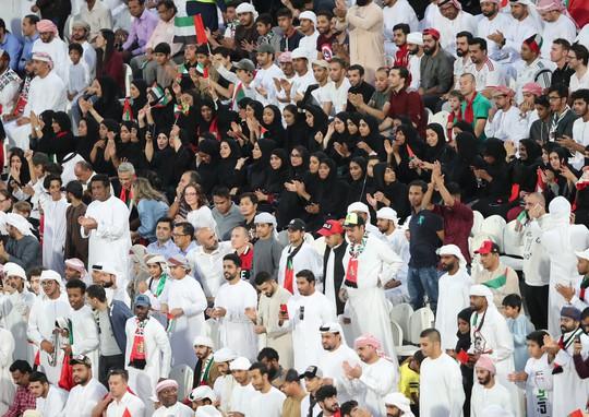 Nỗi hổ thẹn mang tên UAE sau thảm bại ở bán kết Asian Cup - Ảnh 1.