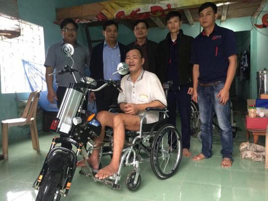 ĐH Duy Tân chế tạo xe lăn điện cho người khuyết tật Đà Nẵng - Ảnh 7.