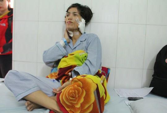 Người phụ nữ đau đớn khi bị chồng cũ cắt tai, cắt cổ - Ảnh 1.