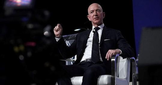 """Tỷ phú Jeff Bezos từng là """"người ngu nhất công ty"""" - Ảnh 1."""