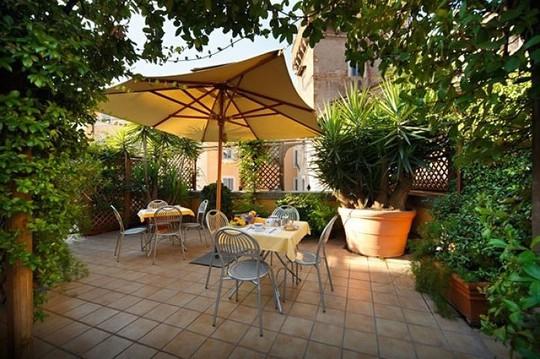 Những thiết kế vườn trên sân thượng đẹp mát mắt - Ảnh 2.