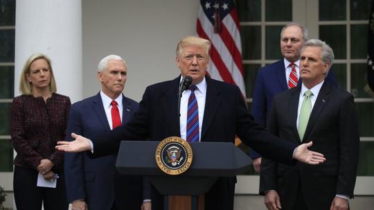 """Ông Trump dọa đóng cửa chính phủ trong """"nhiều năm"""" - Ảnh 1."""
