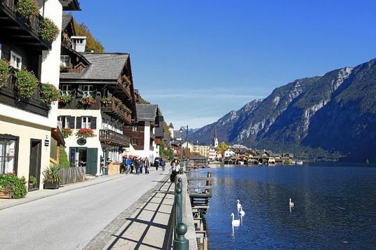 Ngắm nhìn vẻ đẹp tựa thiên đường của thị trấn bên hồ Hallstatt - Ảnh 6.