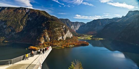Ngắm nhìn vẻ đẹp tựa thiên đường của thị trấn bên hồ Hallstatt - Ảnh 8.